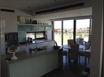 EasyRoommate AU - Master Bedroom & Ensuite in Luxury Little Bay P/Hs - Little Bay, Sydney - $1517