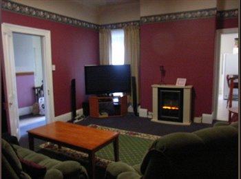 EasyRoommate AU - Room available 5mins Launceston CBD - Launceston, Launceston - $585