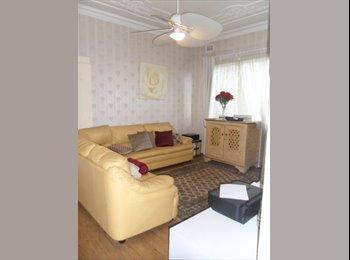 EasyRoommate AU - Room to Rent Merrylands $175 - Merrylands, Sydney - $758