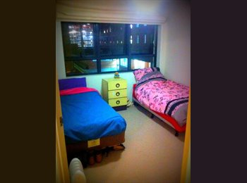EasyRoommate AU - Room Share Female Springhill Brisbane - Spring Hill, Brisbane - $160