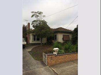 EasyRoommate AU - Room for rent in Hamlyn heights  - Hamlyn Heights, Geelong - $600