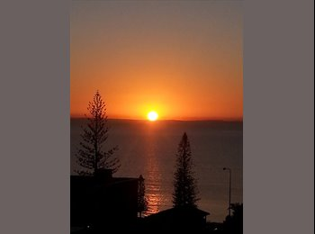 EasyRoommate AU - ocean veiws  walking - Margate Beach, Brisbane - $650