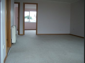 EasyRoommate AU - Two-bedroom very large flat - Newnham, Launceston - $433