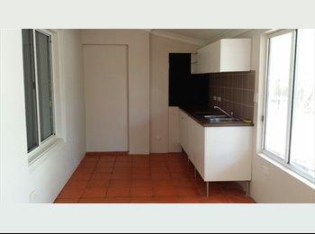 EasyRoommate AU - Granny flat in Old East Side - East Side, Alice Springs - $867