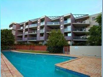 EasyRoommate AU - Room for rent in Teneriffe - New Farm, Brisbane - $867