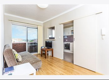 EasyRoommate AU - Single room in a 3 beds unit - Kingsford, Sydney - $1148