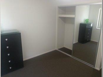 EasyRoommate AU - Room available - Doolandella, Brisbane - $750