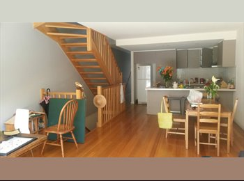 EasyRoommate AU - Amazing townhouse only 12 mins to the city - Moonee Ponds, Melbourne - $780