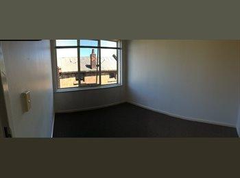 EasyRoommate AU - ROOM FOR RENT IN MELBOURNE CBD - Parkville, Melbourne - $884