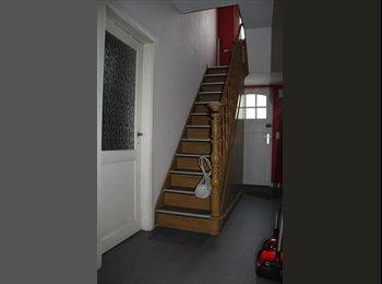 Appartager BE - A louer kot meublé dans une habitation rénovée - Liège, Liège-Luik - €280