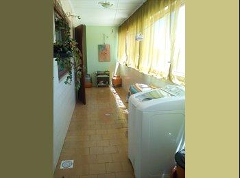 EasyQuarto BR - Vaga em quartos duplos ap mobiliado em Caxias - Caxias do Sul, Serra Gaúcha - R$300