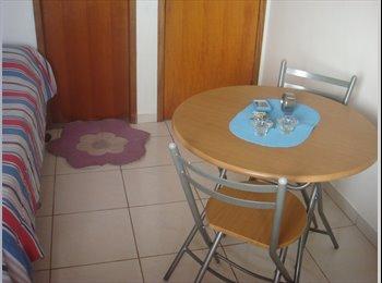 EasyQuarto BR - SUÍTE em apartamento mobiliado PARQUE DEZ - Manaus, Manaus - R$600