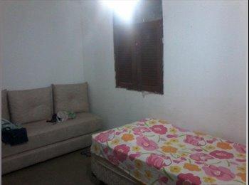 EasyQuarto BR - Casa mobiliada para universitárias (Mang II) - Outros, João Pessoa - R$600