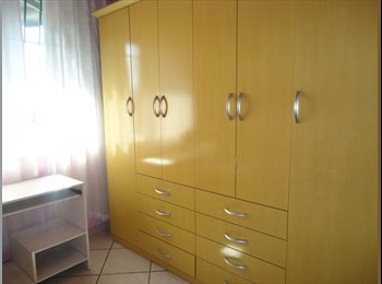 EasyQuarto BR - Aluguel quarto, casa de família. - Centro, Niterói - R$700