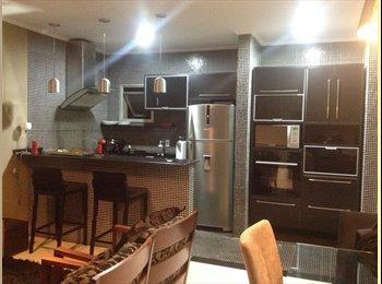EasyQuarto BR - Procuro alguém organizado p dividir o apartamento - Moema, São Paulo capital - R$2500
