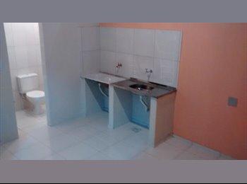 EasyQuarto BR - Alugo quarto para mulheres  - Outros, Fortaleza - R$500