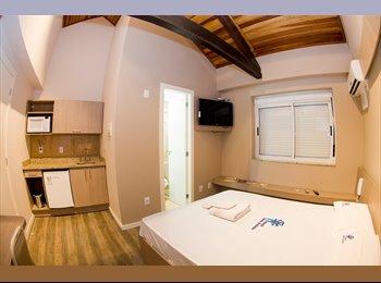 EasyQuarto BR - APTO COM SERVIÇO DE HOTELARIA - Centro, Porto Alegre - R$3600