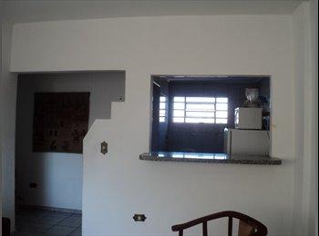 EasyQuarto BR - Aluga-se quarto próximo a Johnson & Johnson - São José dos Campos, São José dos Campos - R$500
