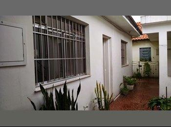 EasyQuarto BR - Quarto para Alugar - Feminino - Vila Maria, São Paulo capital - R$400