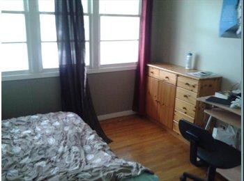 EasyRoommate CA - Roommate for a 3 bedrooms house - Regina Area, Regina Area - $434