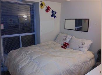 EasyRoommate CA - Great Furnished Bedroom King West(Dec-April) - Toronto, Toronto - $760