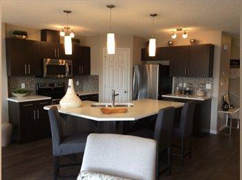 EasyRoommate CA - Room in beautiful home. - South West, Edmonton - $600