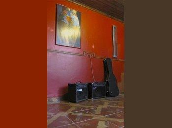 CompartoDepto CL - arriendo habitacion amplia - Lo Prado, Santiago de Chile - CH$*