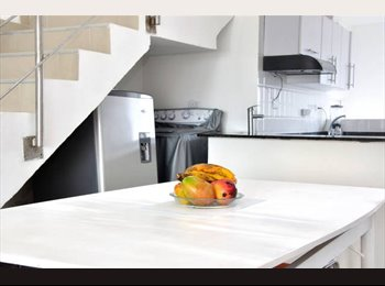 CompartoApto CO - One block from the  beach, 10 minutes Old  City - Cartagena, Cartagena - COP$*