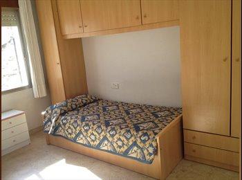 EasyPiso ES - Habitación a 3 minutos del AVE, en el centro para chicas profesoras o estudiantes. - Ciudad Jardín, Córdoba - €160