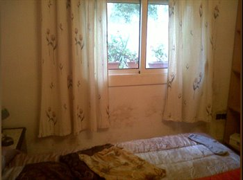 EasyPiso ES - habitacion de matrimonio - St Feliu De Llobregat, Barcelona - €450