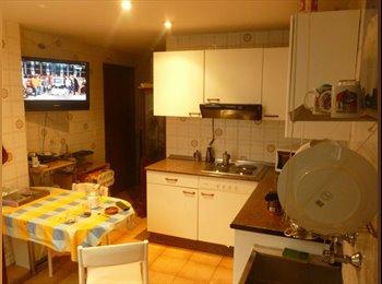 EasyPiso ES - Habitaciónes en el centro de Donostia - Centro Ciudad - Miraconcha, San Sebastián - €300