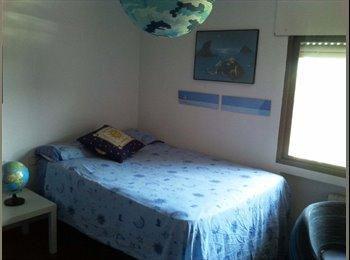 EasyPiso ES - Habitaciones Chalet en Barajas - Barajas, Madrid - €400