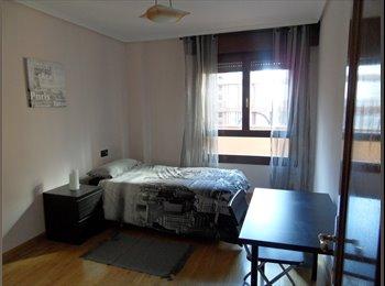 EasyPiso ES - habitación en Maria Zambrano (edificio Sarakusta) - Otras Áreas, Zaragoza - €240