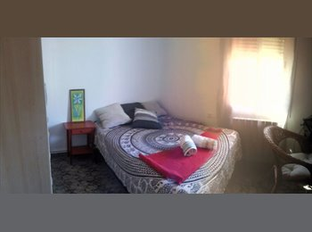 EasyPiso ES - Alquilo 2 habitaciónes dobles. - Sabadell, Barcelona - €220