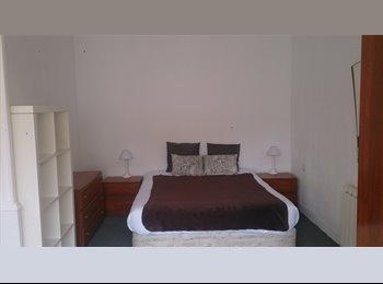 EasyPiso ES - Habitación  casa en el centro de sabadell - Sabadell, Barcelona - €330