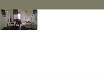 EasyPiso ES - Piso bonito con salon y balcon 2mins Pompeu Fabra - Ciutat Vella, Barcelona - €215