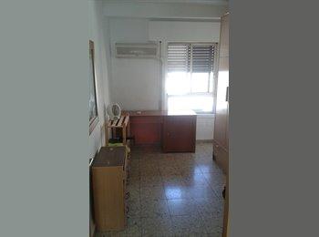 EasyPiso ES - Alquilo habitaciones - Ciudad Jardín, Córdoba - €170