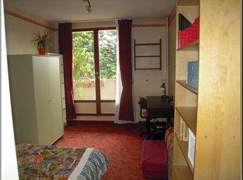 Appartager FR - Chambre meublée chez l'habitant - Neuilly-sur-Marne, Paris - Ile De France - €450