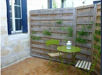 Appartager FR - Idéal pour 2 amis étudiants, appart 2 chambres - Bacalan, Bordeaux - €480