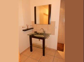 Appartager FR - Loue chambre meublée avec salle de bains - Valence, Valence - €390
