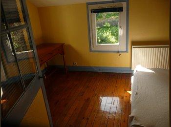 Appartager FR - loue chambre dans maison de 80m2 - Rouen, Rouen - €350