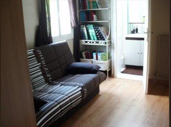 Appartager FR - Loue chambre meublee avec petite sdb - Saint-Cyr-sur-Loire, Tours - €230