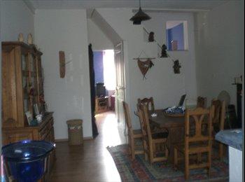 Appartager FR - deux chambres ds maison meublee - Valenciennes, Valenciennes - €325