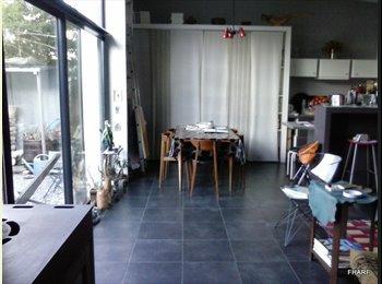 Appartager FR - MAISON MEUBLEE ARCHITECTURE CONTEMPORAINE 90m² - Pau, Pau - €450