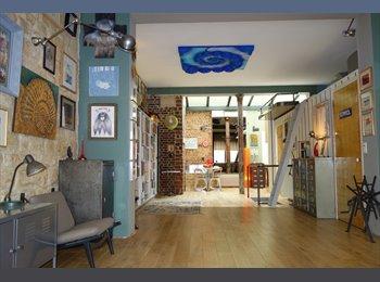 Appartager FR - Mezzanine dans loft - 11ème Arrondissement, Paris - Ile De France - €300