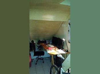 Appartager FR - Colocation pour 3 personnes à Strasbourg St-Denis - 10ème Arrondissement, Paris - Ile De France - €677