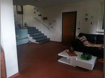 EasyStanza IT - Affittasi stanza - Livorno, Livorno - €350