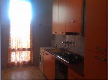 EasyStanza IT - Ampia singola a Lecce/Comfortable room in Lecce - Lecce, Lecce - €150