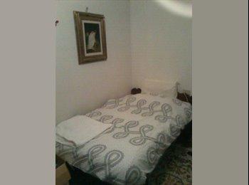 EasyStanza IT - CAMERA CON LETTO PIAZZA 1,5 IN BED AND BREAKFAST - Padova, Padova - €450