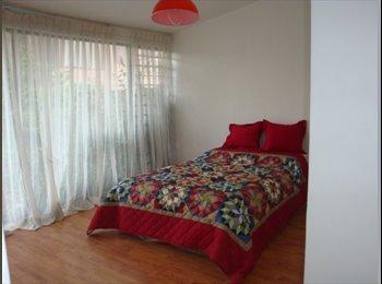 CompartoDepa MX - comoda habitacion para dama cerca de la herradura interlomas - Naucalpan de Juárez, México - MX$4500